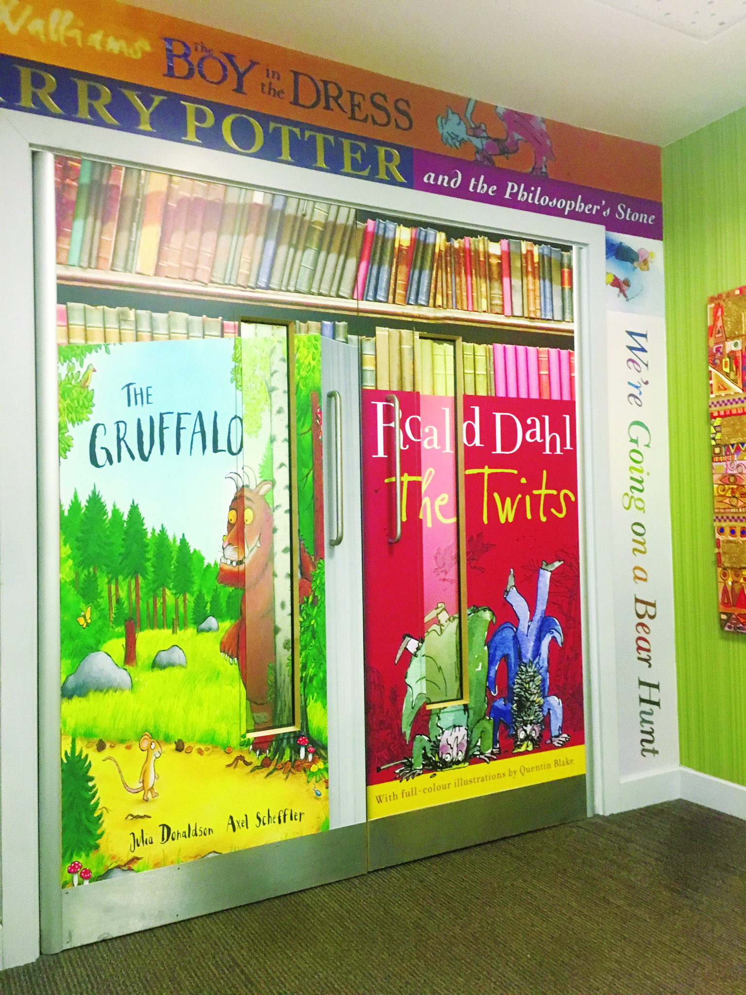 celebrate-reading-with-a-stunning-wall-art-riverview-primary-salford